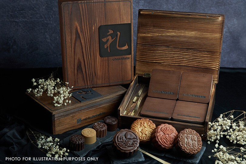 CLASSIC BAKED MOONCAKES